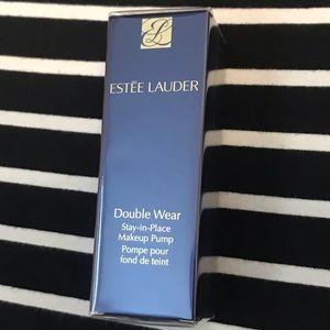 Estée Lauder Makeup Pump